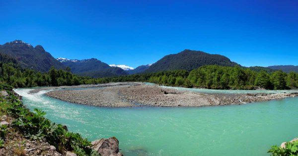 Cheery Private Sightseeing Tours to Visit the Red-Hot Charms of Chile