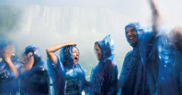 Niagara Fall Group Tour From Downtown Toronto With Hornblower Boat Ride