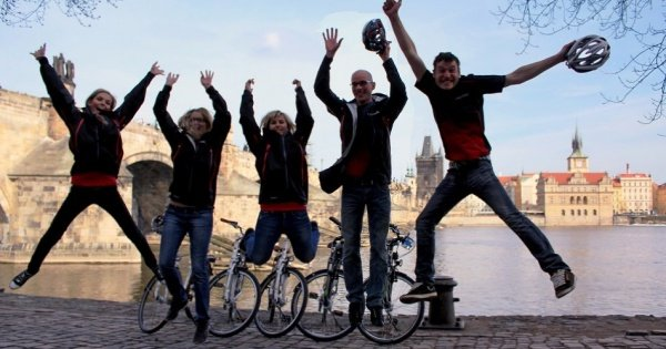 3 Hours Private Prague Viewpoints Bike Tour