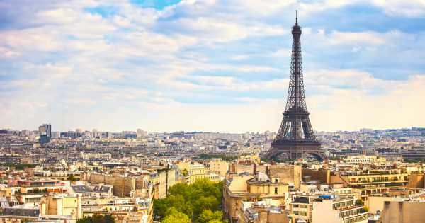 Eiffel Tower French Gastronomy - 3 hour food tour in Paris