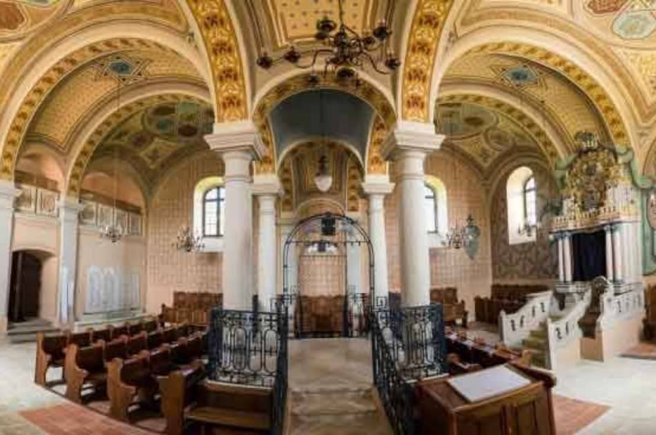 In the footsteps of Hasidic communities - Kosher Tour