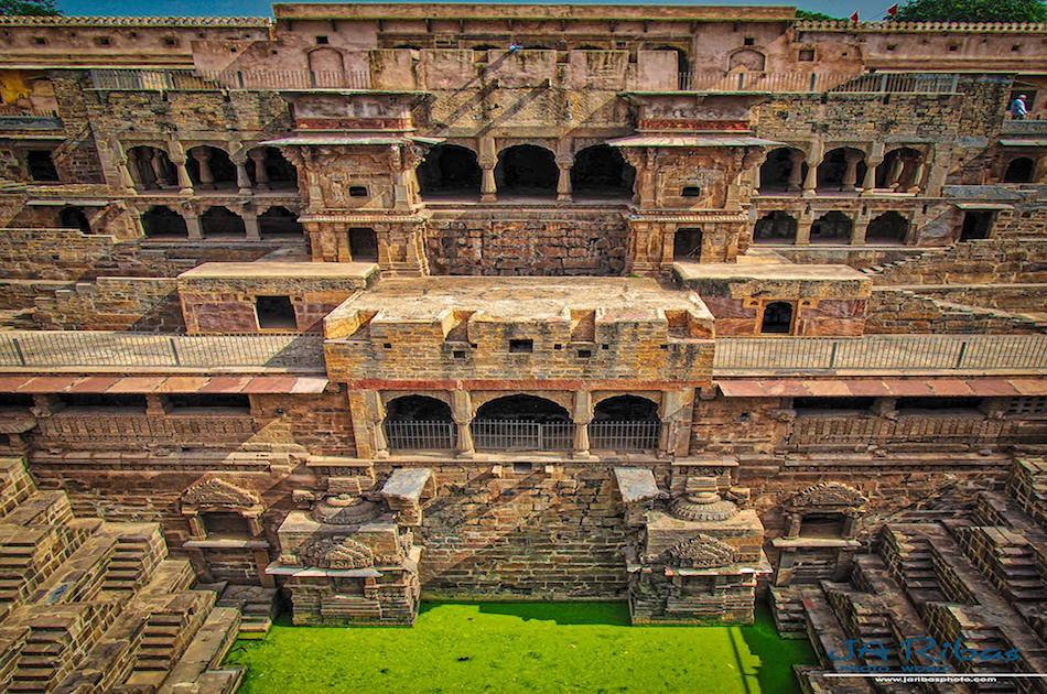 Abhaneri Step Well and Monkey Temple Private Day Tour