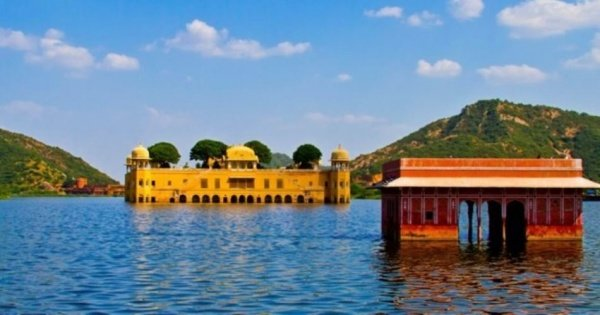 Private Transfer From Udaipur To Jaipur