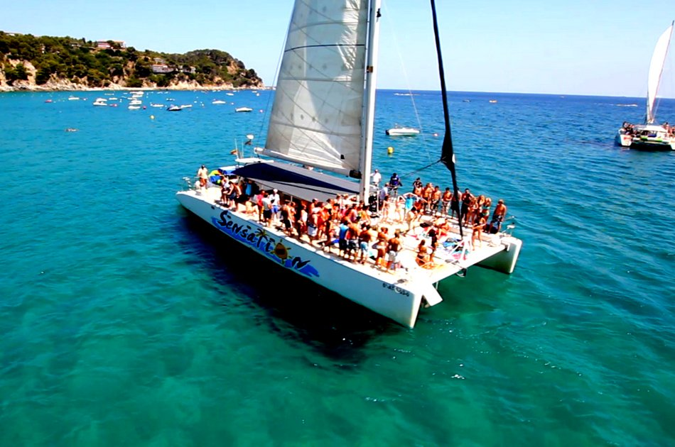 4 Hour Isla Mujeres 42 Feet Deluxe Catamaran Tour (up to 30 people)