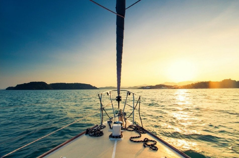 7 Hour Catamaran Private Tour on The Lady Caroline (up to 30 people)