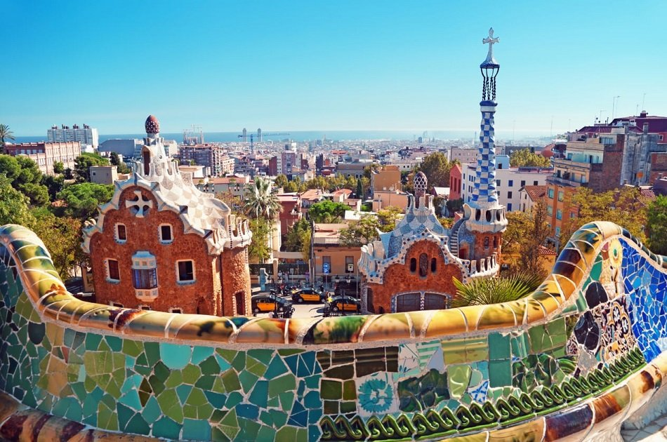 Small Group Barcelona And Montserrat Tour With Skip The Line Tickets and Hotel/Port Pickup