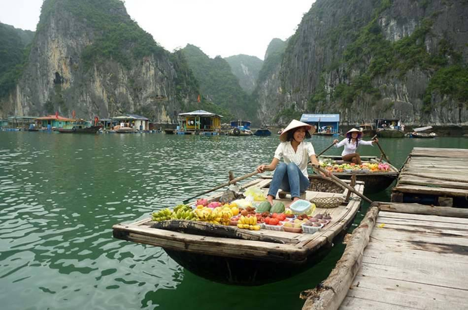 Catch a Glimpse of Halong Bay With 4-star Cruise